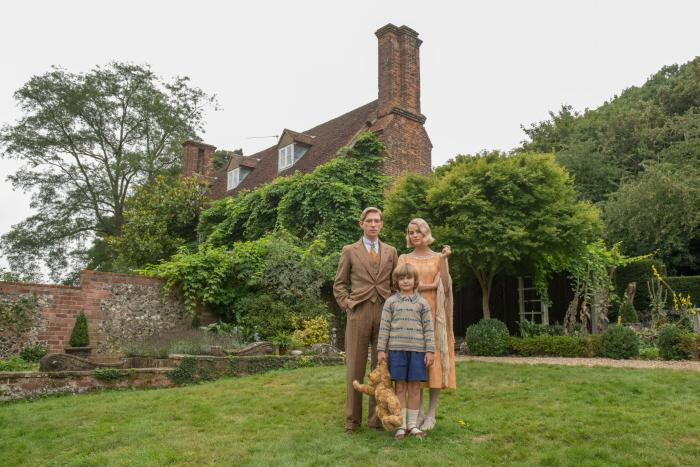 Domhnall Gleeson, Will Tilston and Margot Robbie in the film GOODBYE CHRISTOPHER ROBIN.