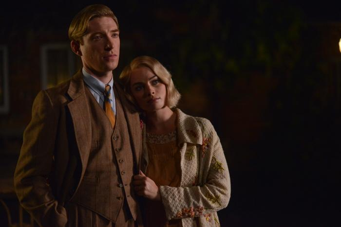 Margot Robbie and Domhnall Gleeson in the film GOODBYE CHRISTOPHER ROBIN.