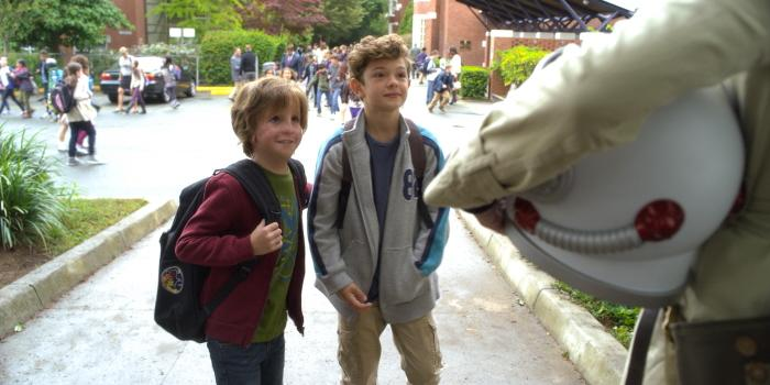 AUGGIE (Jacob Tremblay) and JACK WILL (Noah Jupe) in WONDER.